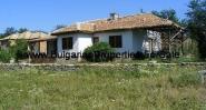 Продава се едноетажна къща в село Берковски
