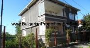 Продава се триетажна къща в град Попово