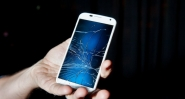 Изкупувам повредени смартфони,телефони за части!