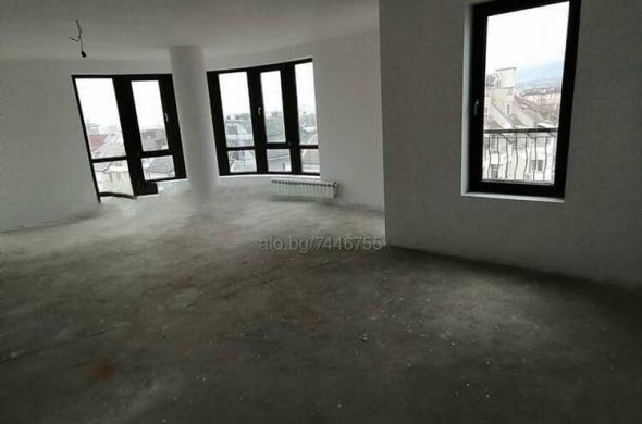 Тристаен апартамент 142 кв.м Тухла 2012 г. 6 етаж